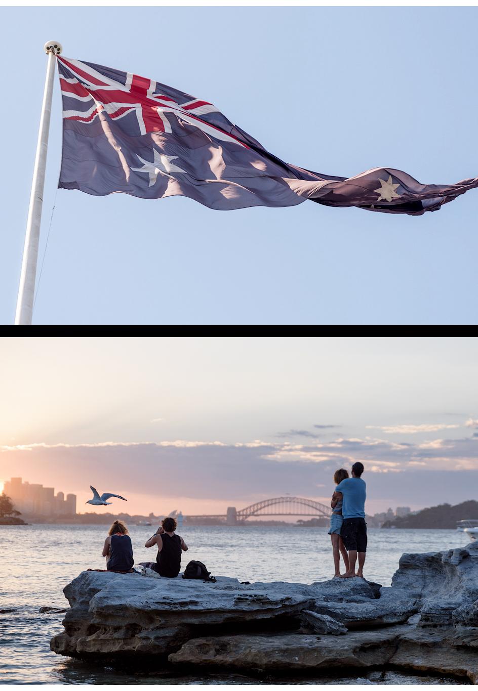 Australische Flagge, Blick auf die Harbour Bridge und die Skyline von Sydney